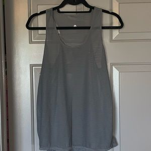 Tops - Grey workout tank top.